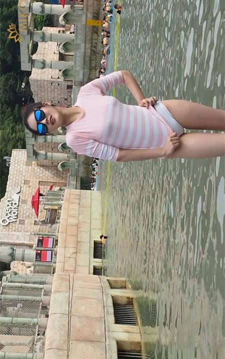 2015韩国小姐大赛参赛者水上乐园拍摄展示魅力