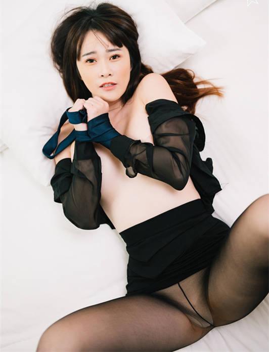 DesireVol. 绝美丝袜逆天长腿105cm.妃妃的丝袜诱惑丝袜控必备 JVID