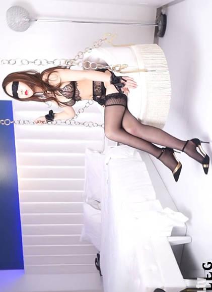黑白猫咪!乔依琳不忘浪漫情趣勾引老公再来一次