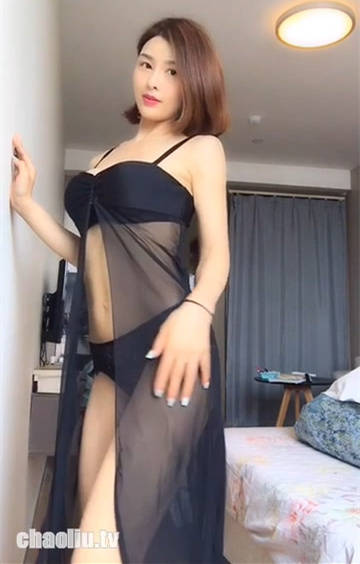 闫盼盼化身气质舞娘脱裙露小丁拼了!