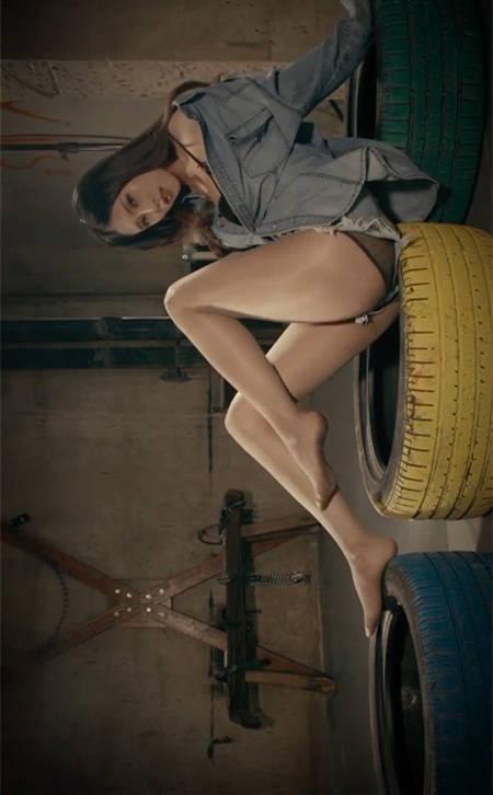 被囚禁的欲望!丽柜美女温蒂的丝袜诱惑