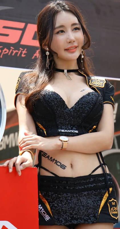 190526 大韩通运超级赛 韩国车模金美珍黑色优雅