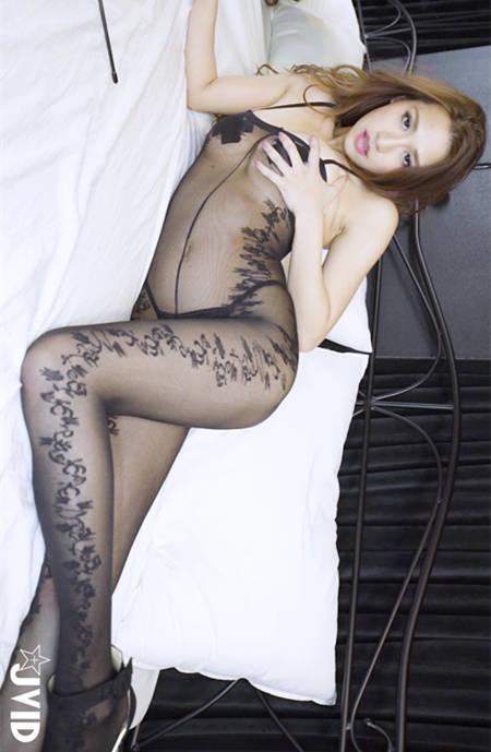黑丝挑逗!Cami充满诱欲的性感游戏 JVID