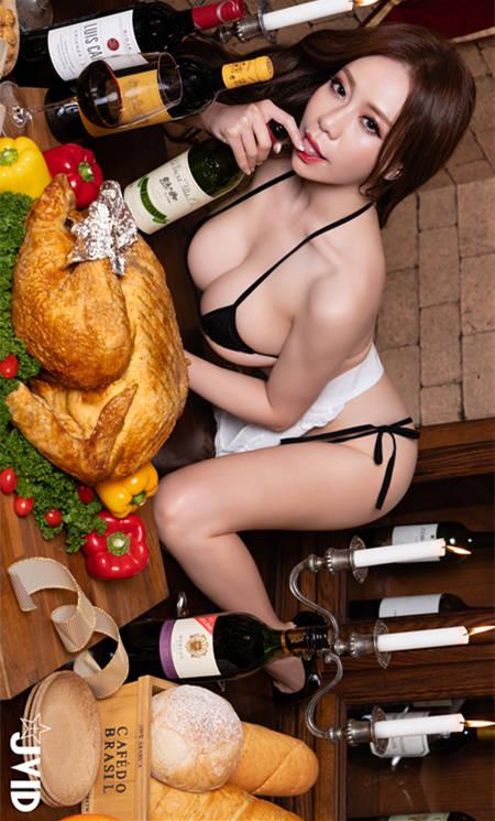 烤鸡大餐让张语昕意犹未尽想再吃一只鸡 JVID