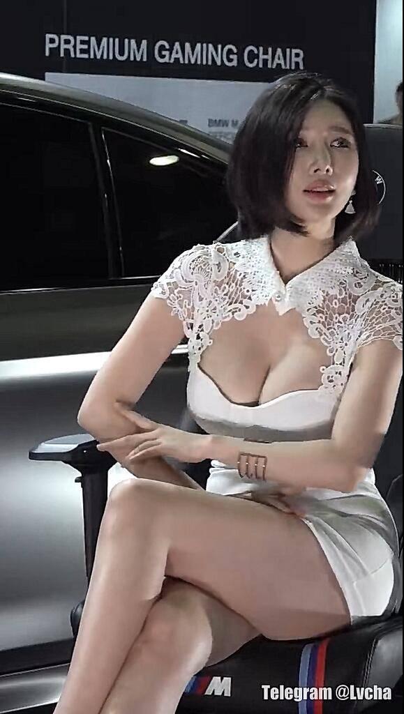 宝马车模的美女气质高大长腿