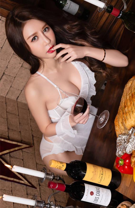 性感私厨Bella 泰国小莓子献上感恩节深夜料里 JVID