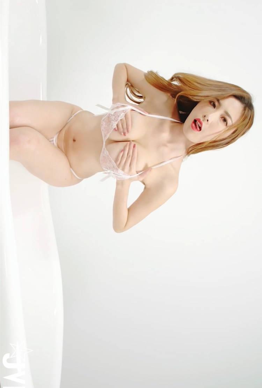 浴室诱惑!火辣女友「艾比」花招百出揉乳挑逗 JVID