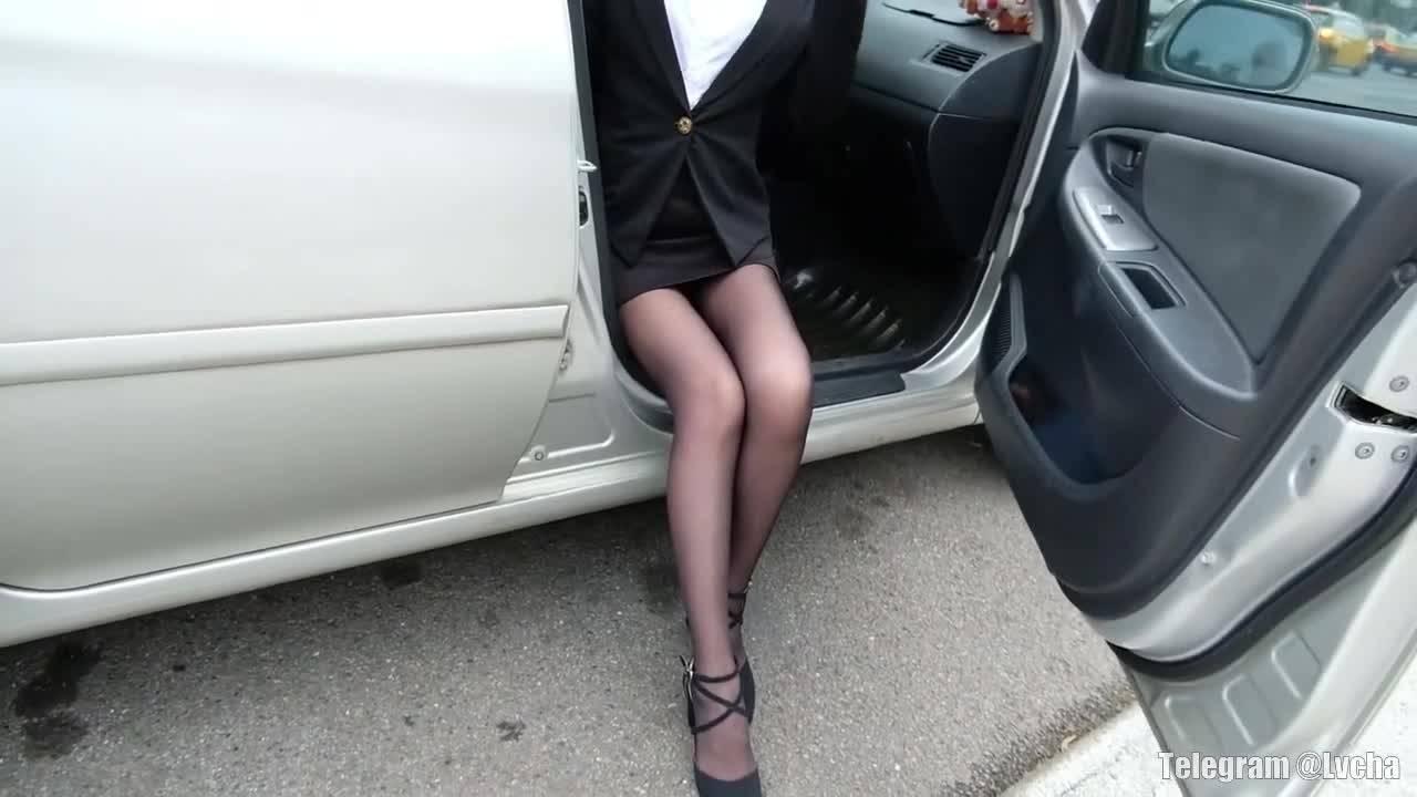 成熟女人的黑色丝袜写真秀-村花论坛