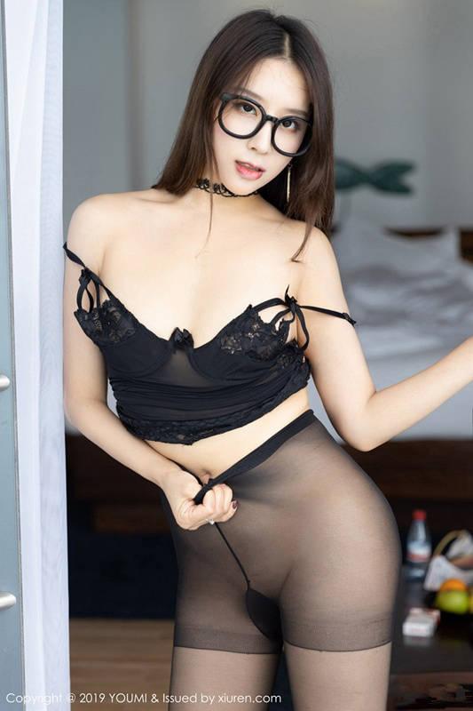尤蜜《美臀人妻》!筱慧清晰可见的完美翘臀来势汹汹