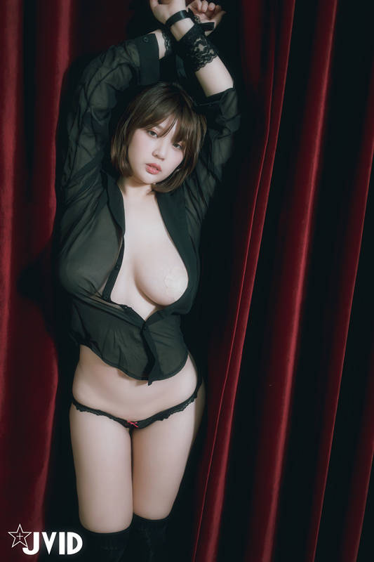 第一人称视角H奶女秘书RuRu性感的诱惑 JVID