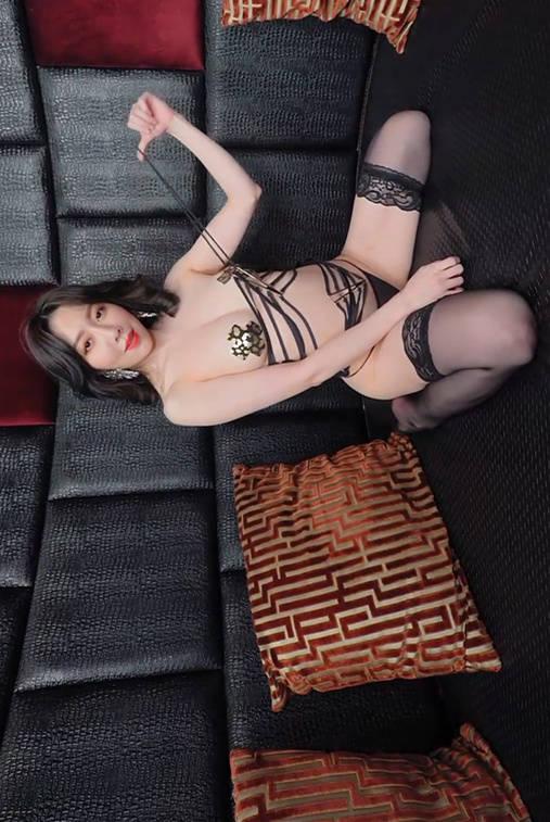 【情欲狂潮浪女】Jeannine珍琳色气喷发火辣开撩 JVID