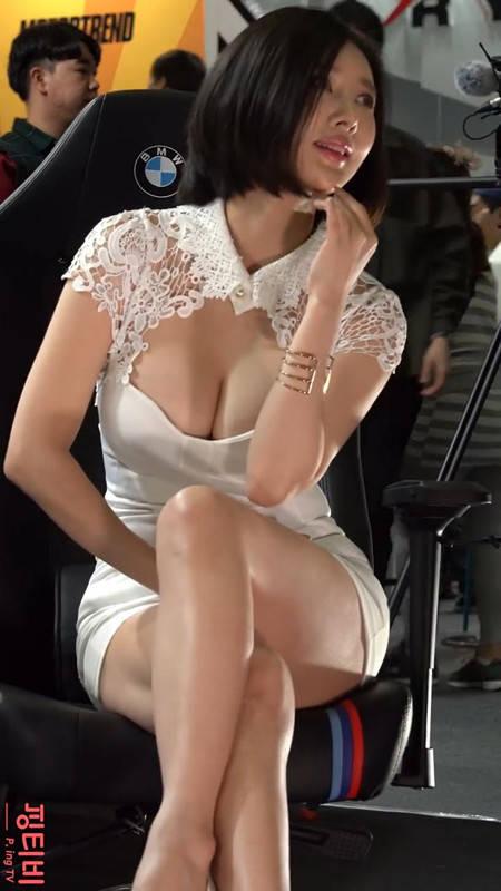 韩国车模宋珠儿低胸大奶露出大半 2019首尔车展