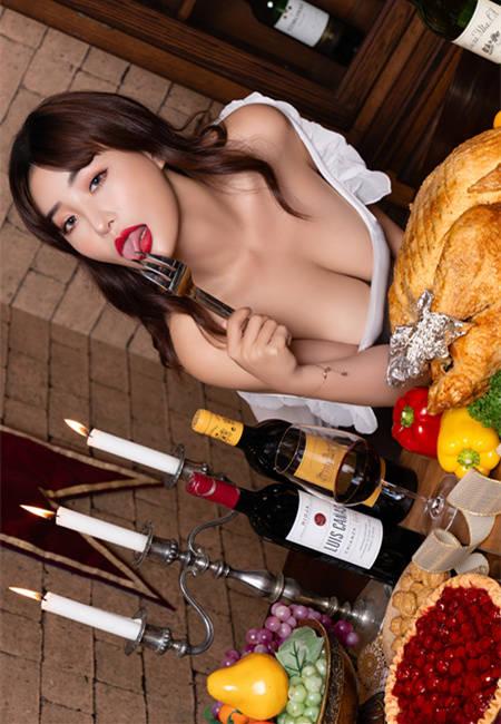 想吃!巨乳厨师李萱感恩节献上烤G奶大餐 JVID