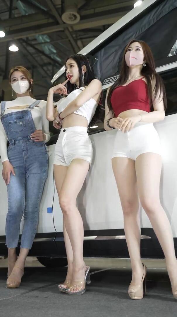 韩国三妹子大长腿养养眼-抖动视频