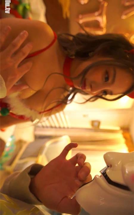 果哥出品白金版 美女圣诞大礼!筱慧将自己做成礼物快递到你私人府上